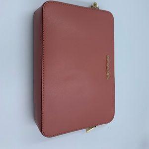 Michael Kors Bags - Michael Kors crossbody in rose color